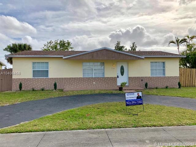 7704 SW 4th Pl, North Lauderdale, FL 33068 (MLS #A10408458) :: The Teri Arbogast Team at Keller Williams Partners SW