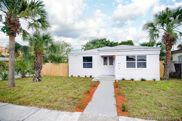 900 10th St, West Palm Beach, FL 33401 (MLS #A10408647) :: The Teri Arbogast Team at Keller Williams Partners SW
