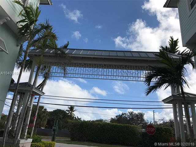 445 NE 1st St, Pompano Beach, FL 33060 (MLS #A10409198) :: The Teri Arbogast Team at Keller Williams Partners SW
