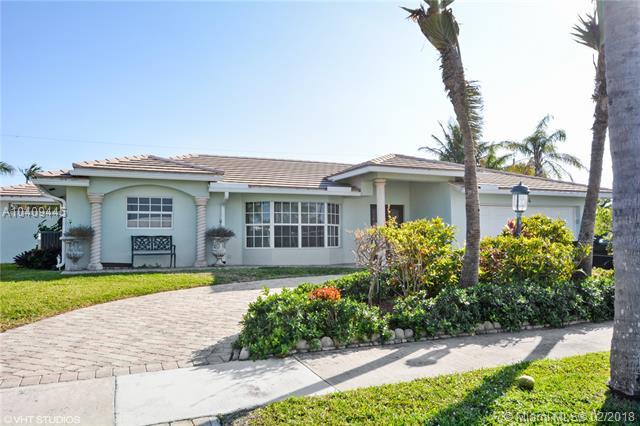 1444 SE 14th St, Deerfield Beach, FL 33441 (MLS #A10409445) :: The Teri Arbogast Team at Keller Williams Partners SW