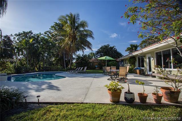 1091 W Tropical Way, Plantation, FL 33317 (MLS #A10409928) :: The Teri Arbogast Team at Keller Williams Partners SW
