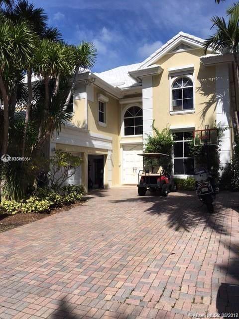 22 Grand Bay Estates Cir, Key Biscayne, FL 33149 (MLS #A10410364) :: Dalton Wade Real Estate Group