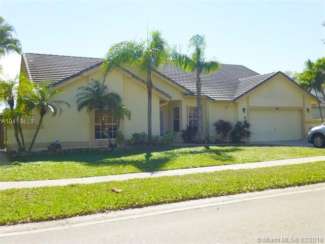10800 NW 18th Ct, Plantation, FL 33322 (MLS #A10410458) :: The Teri Arbogast Team at Keller Williams Partners SW