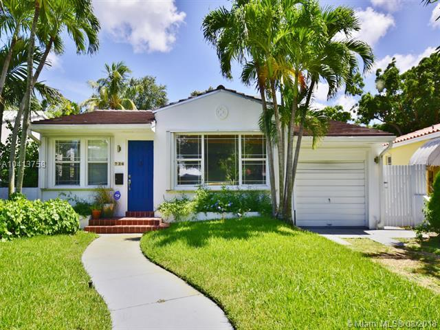 736 NE 74th St, Miami, FL 33138 (MLS #A10413758) :: The Jack Coden Group