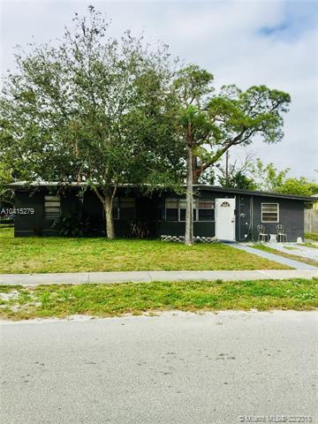 1331 NW 13th Ave, Fort Lauderdale, FL 33311 (MLS #A10415279) :: The Teri Arbogast Team at Keller Williams Partners SW