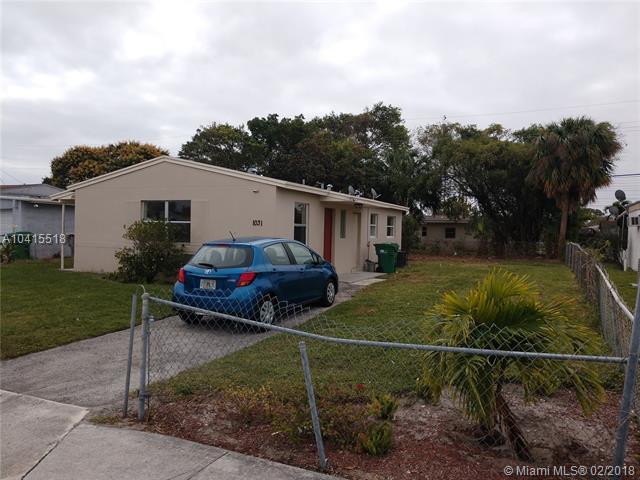 1031 W 3rd St, Riviera Beach, FL 33404 (MLS #A10415518) :: The Teri Arbogast Team at Keller Williams Partners SW