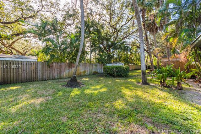1548 SW 23rd Ct, Fort Lauderdale, FL 33315 (MLS #A10416339) :: Green Realty Properties