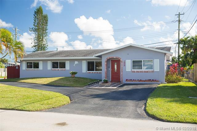 1806 NW 39th St, Oakland Park, FL 33309 (MLS #A10416381) :: The Teri Arbogast Team at Keller Williams Partners SW
