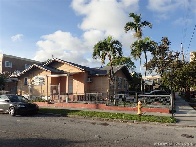 244 SW 14th Ave, Miami, FL 33135 (MLS #A10418134) :: The Riley Smith Group
