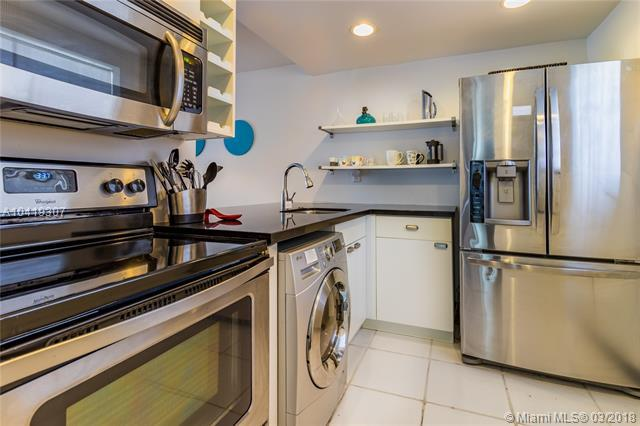 1245 West Ave #302, Miami Beach, FL 33139 (MLS #A10419307) :: Live Work Play Miami Group