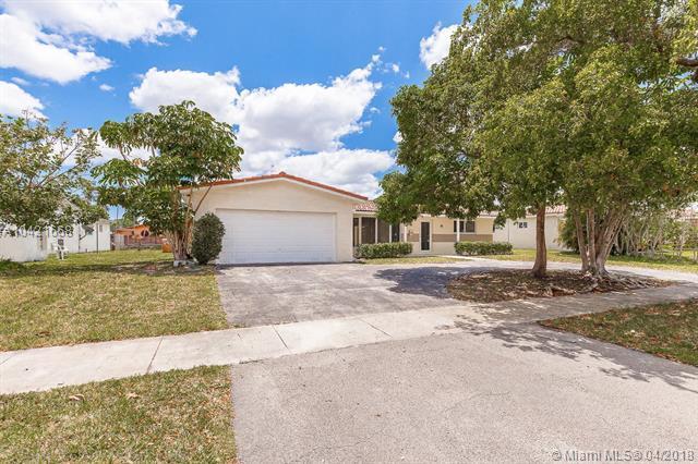 4618 Arthur St, Hollywood, FL 33021 (MLS #A10421668) :: Green Realty Properties