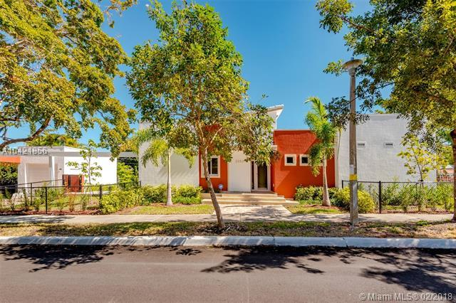 2553 SW 23rd Ave, Miami, FL 33133 (MLS #A10421856) :: The Riley Smith Group