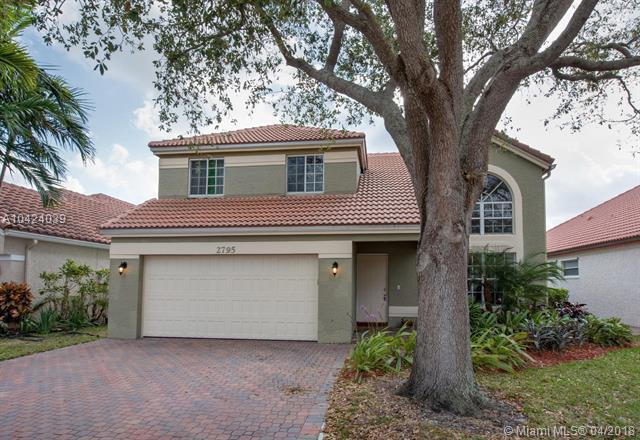 2795 Oak Grove Rd, Davie, FL 33328 (MLS #A10424039) :: Stanley Rosen Group