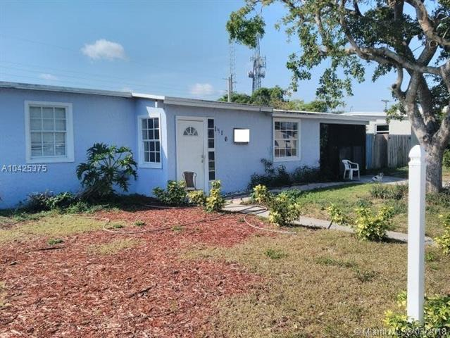 1416 NE 54th St, Pompano Beach, FL 33064 (MLS #A10425375) :: The Teri Arbogast Team at Keller Williams Partners SW