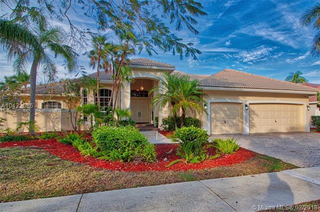 1586 Island Way, Weston, FL 33326 (MLS #A10432686) :: Stanley Rosen Group