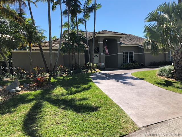 8482 SW 169th Ter, Palmetto Bay, FL 33157 (MLS #A10435873) :: The Erice Group