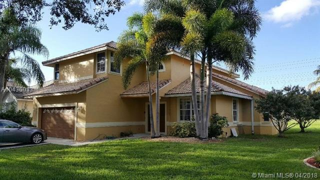 10683 Edinburgh St, Cooper City, FL 33026 (MLS #A10436013) :: Stanley Rosen Group