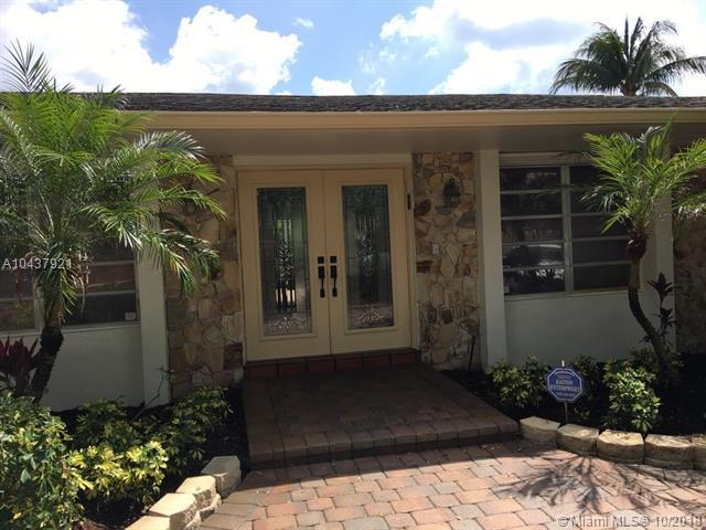 21303 NE 18 PLACE, Miami, FL 33179 (MLS #A10437921) :: Green Realty Properties