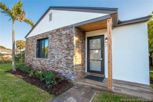 212 Cortez Rd, West Palm Beach, FL 33405 (MLS #A10438139) :: Green Realty Properties