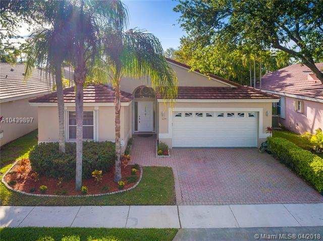 1634 E 148th Ter, Pembroke Pines, FL 33027 (MLS #A10439897) :: The Teri Arbogast Team at Keller Williams Partners SW