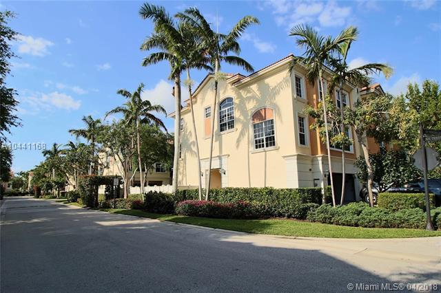 616 NE Venezia Lane #616, Boca Raton, FL 33487 (MLS #A10441168) :: Stanley Rosen Group