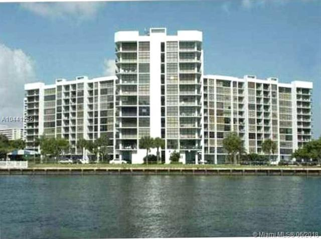 1000 Parkview Dr #506, Hallandale, FL 33009 (MLS #A10441256) :: The Riley Smith Group
