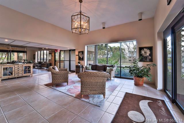 800 Jeffery St #404, Boca Raton, FL 33487 (MLS #A10442336) :: Green Realty Properties