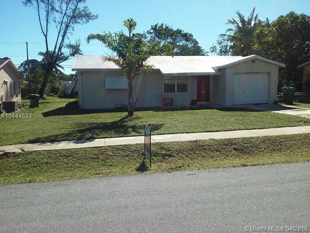 446 NW 1st Ave, Boynton Beach, FL 33435 (MLS #A10444633) :: Stanley Rosen Group