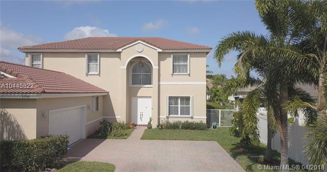 2320 NW 184 Ter, Pembroke Pines, FL 33029 (MLS #A10445822) :: Stanley Rosen Group