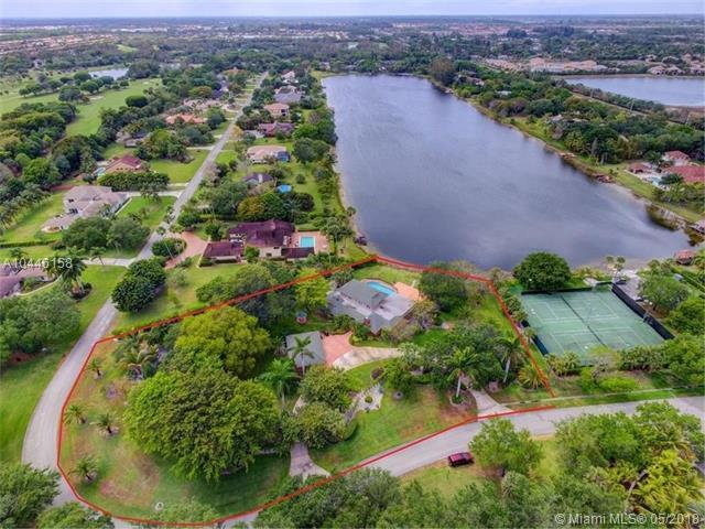 8521 Estate Dr, West Palm Beach, FL 33411 (MLS #A10446158) :: The Teri Arbogast Team at Keller Williams Partners SW