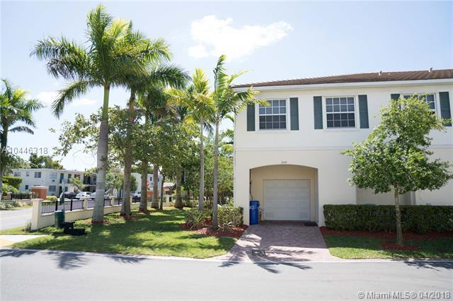 200 SW 7th Ct #200, Pompano Beach, FL 33060 (MLS #A10446318) :: Green Realty Properties