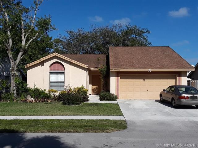 3130 NW 106th Ave, Sunrise, FL 33351 (MLS #A10447755) :: Calibre International Realty