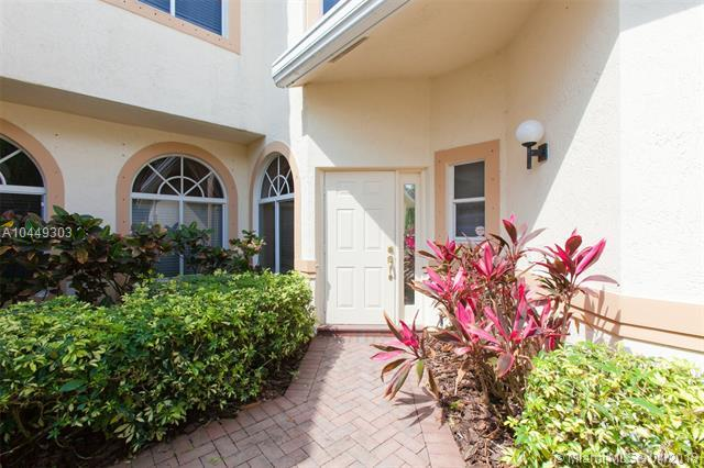 492 W Palm Aire Dr #492, Pompano Beach, FL 33069 (MLS #A10449303) :: Stanley Rosen Group