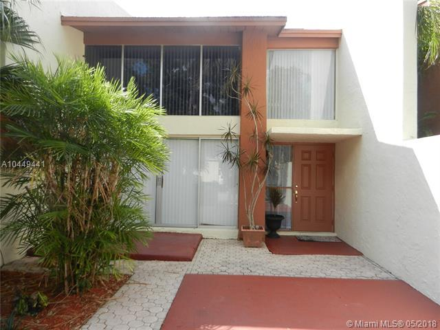 7631 SW 105 Ave, Miami, FL 33173 (MLS #A10449441) :: Stanley Rosen Group