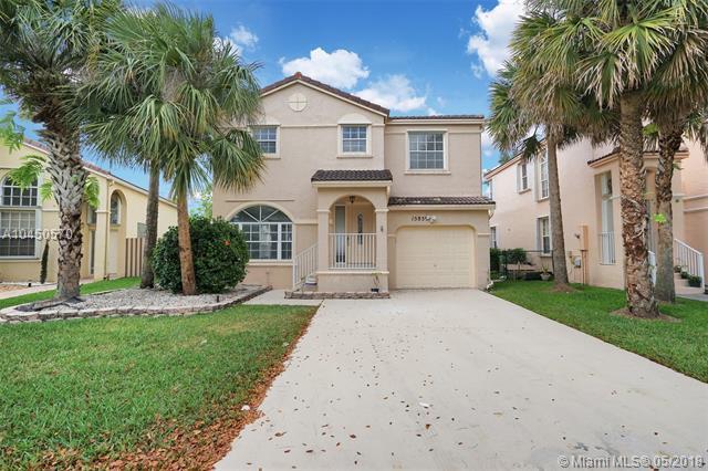 15859 NW 7th St, Pembroke Pines, FL 33028 (MLS #A10450570) :: Stanley Rosen Group