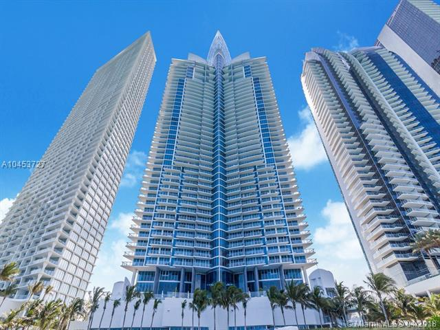 17001 Collins Ave #807, Sunny Isles Beach, FL 33160 (MLS #A10453727) :: The Teri Arbogast Team at Keller Williams Partners SW