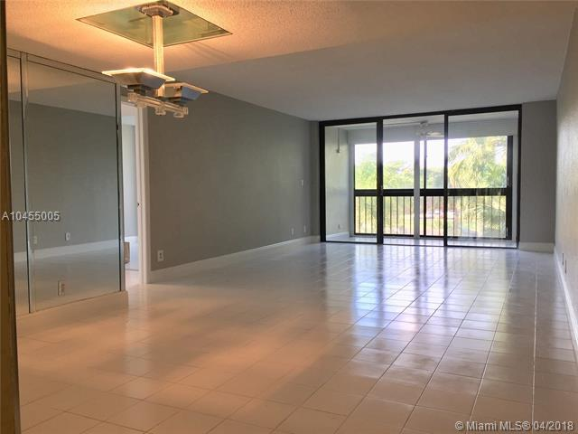 16300 Golf Club Rd #314, Weston, FL 33326 (MLS #A10455005) :: Hergenrother Realty Group Miami