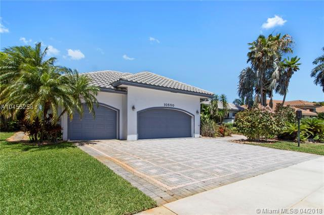10550 Stonebridge Blvd, Boca Raton, FL 33498 (MLS #A10455258) :: Stanley Rosen Group