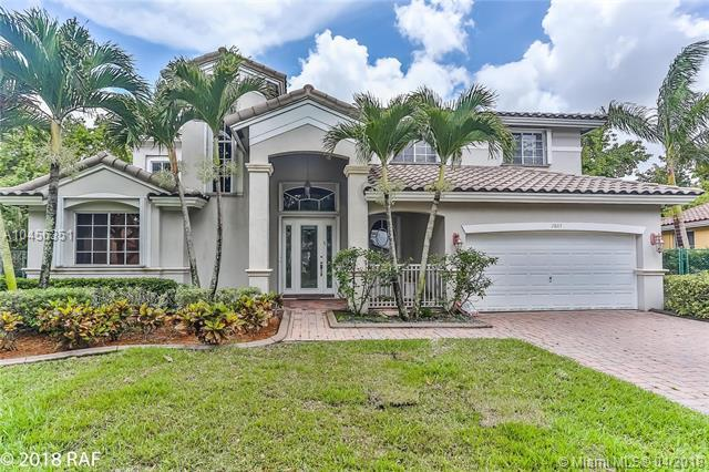 2807 Poinciana Cir, Cooper City, FL 33026 (MLS #A10456351) :: Green Realty Properties
