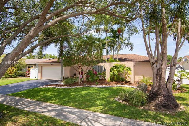 11617 SW 59th Ct, Cooper City, FL 33330 (MLS #A10456355) :: Green Realty Properties