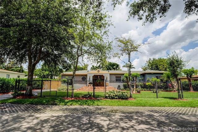 6609 SW 65th St, South Miami, FL 33143 (MLS #A10458350) :: Prestige Realty Group
