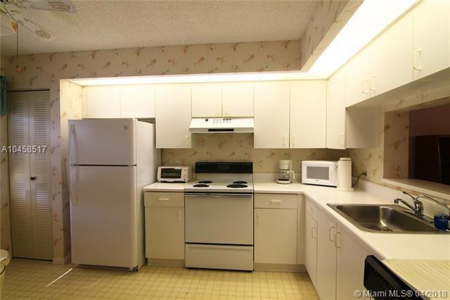 1501 SW 131st Way 212P, Pembroke Pines, FL 33027 (MLS #A10458517) :: Green Realty Properties