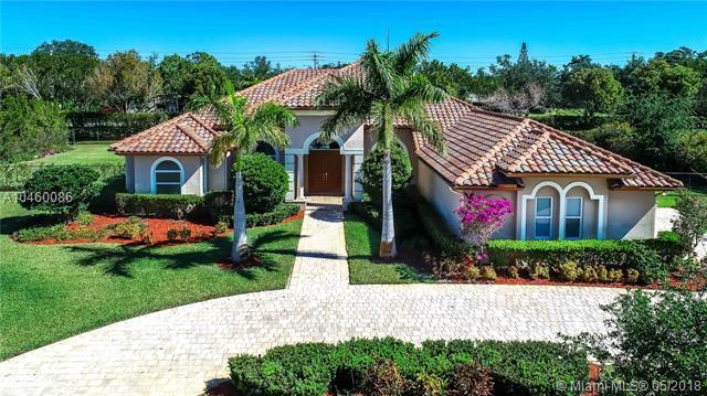 14401 N Jockey Cir N, Davie, FL 33330 (MLS #A10460086) :: Green Realty Properties