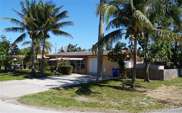 1412 NE 31st St, Pompano Beach, FL 33064 (MLS #A10460944) :: Green Realty Properties