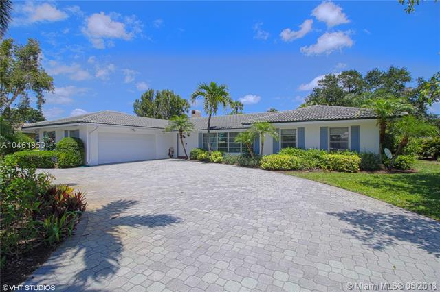 144 Country Club Dr, Tequesta, FL 33469 (MLS #A10461953) :: Green Realty Properties