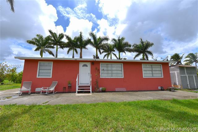 14900 SW 199th Ave, Miami, FL 33196 (MLS #A10462097) :: Stanley Rosen Group
