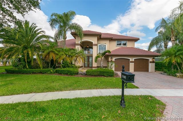 1141 SW 156th Ave, Pembroke Pines, FL 33027 (MLS #A10462727) :: Stanley Rosen Group