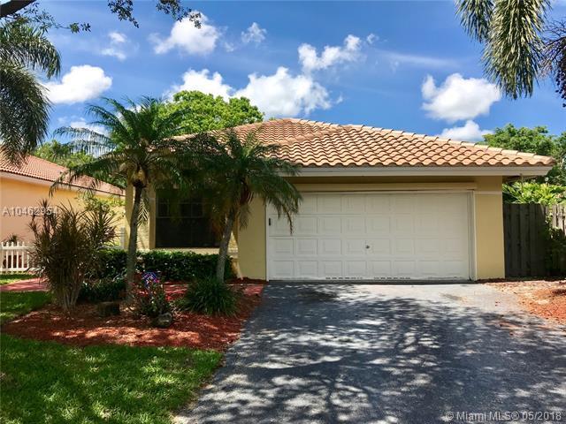 4175 NW 1st Court, Delray Beach, FL 33445 (MLS #A10462954) :: Stanley Rosen Group