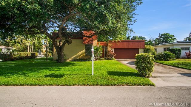1046 NE 90th St, Miami, FL 33138 (MLS #A10463840) :: The Jack Coden Group