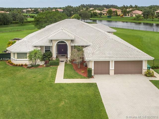 10631 SW 37th Pl, Davie, FL 33328 (MLS #A10464610) :: Green Realty Properties